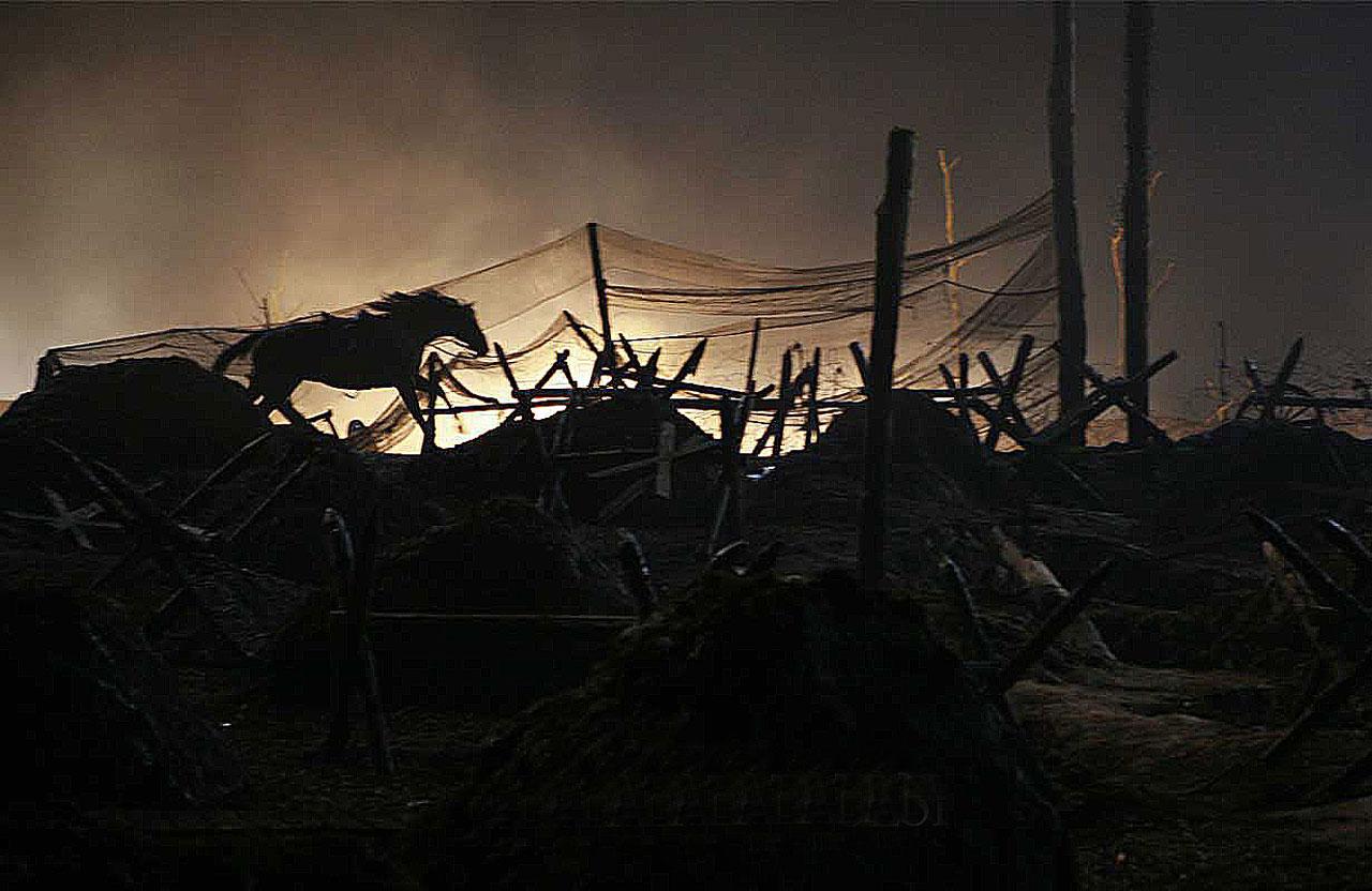 http://planeta-kino.com.ua/f/1/movies/war-horse/boevoj-kon-afisha.jpg
